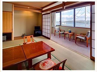 広めの和室10畳広緑2畳のお部屋