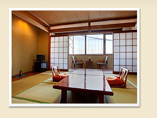 鳴門海峡を臨む、壮大な景色とともにリラックスしたお時間をお過ごしください。