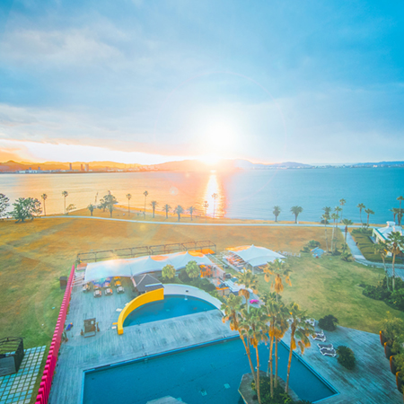 博多湾を眺める夕べ。