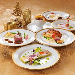 【ロイヤルハイティー】滝を望むラウンジで優雅な時間を〜軽食&シャンパン&レストランご優待付〜