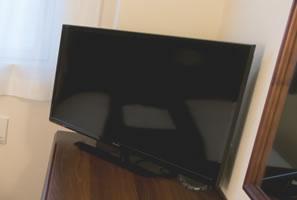 32インチ液晶テレビ